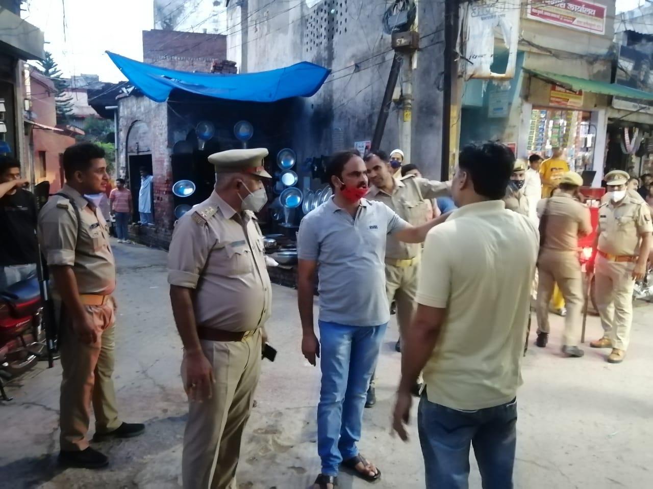 बिजनौर के सपा उपाध्यक्ष खुर्शीद  मंसूरी ने व्यापारियों की समस्याओं के निस्तारण को लेकर उपजिलाधिकारी से की मुलाक़ात
