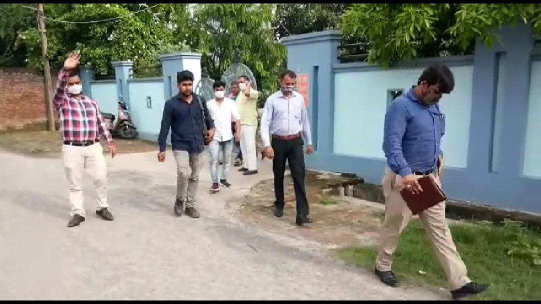 गोरखपुर में बीजेपी विधायक राकेश सिंह बघेल के घर CBI का छापा, भाई का है कंस्ट्रक्शन कंपनी से कनेक्शन